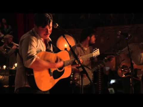 Exclusive: Mumford & Sons Performs 'Holland Road'