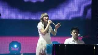 Momo Geisha feat Ariel Noah - Cobalah Mengerti (Fan Cam HD).mpg