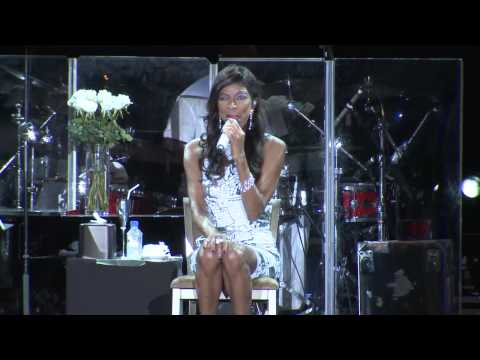 Natalie Cole - Unforgettable (Live at Singapore...