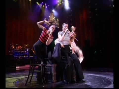 Free download lagu Mp3 Madonna - La Isla Bonita/I'm Going Bananas (Girlie Show pt11) di ZingLagu.Com