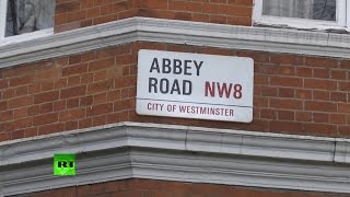 Abbey Road pays tribute to 5th Beatle George Martin