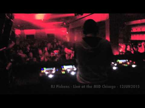 """RJ Pickens LIVE @ The MID (Chicago) """"Do Your Thing"""" (RJ Pickens Remodel)"""