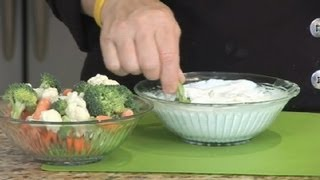 Healthy Sour Cream & Greek Yogurt Vegetable Dip : Greek Dips & Pita Meals