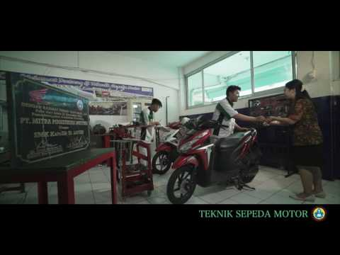 SMK St Louis Surabaya - School Profile