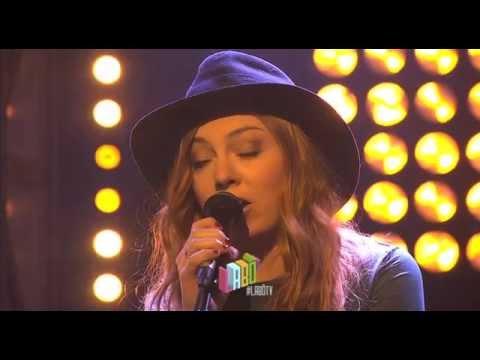"Live : Shake Shake Go - ""England Skies"""