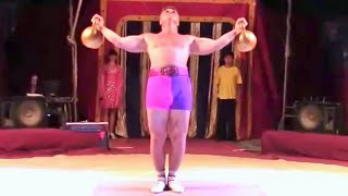 Yuriy Akulov - kettlebell power juggling and tricks with kettlebells in circus
