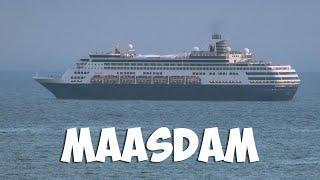 Круизный лайнер Maasdam покидает Владивосток, 2019.