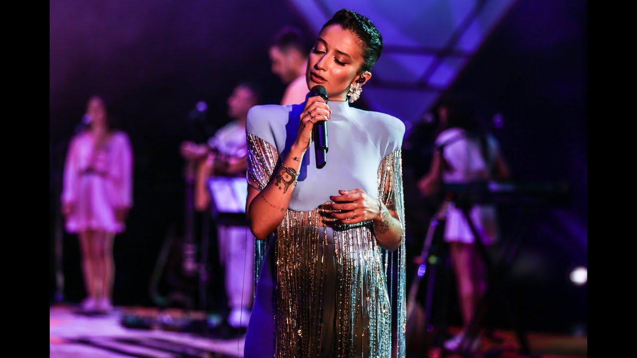 Download Melike Şahin - Nasır (Live @ Zorlu PSM)