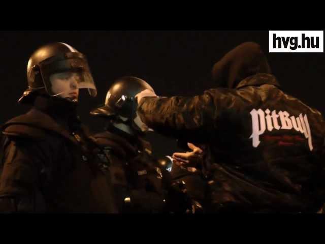 Így támadták meg a rendőröket a szurkolók