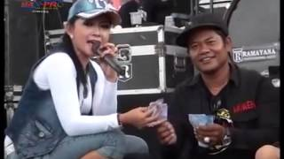 Video RATNA ANTIKA ~ KANGGO RIKO Monata Live WOKER 2015 download MP3, 3GP, MP4, WEBM, AVI, FLV September 2018
