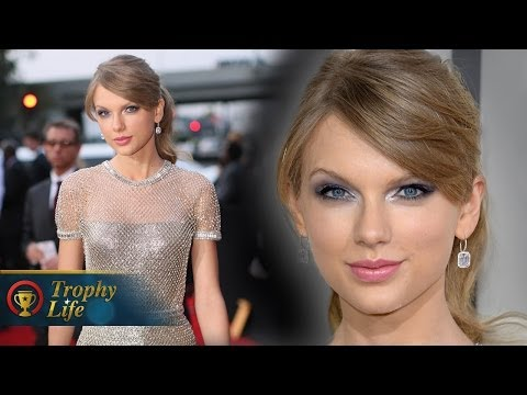 Taylor Swift Metallic Gucci Gown Grammys 2014 Red Carpet