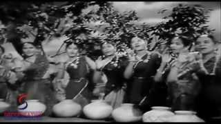 Aayi Bairan Bahar Kiye Solah Singaar - Lata Mangeshkar - BARADARI - Geeta Bali, Ajit, Pran