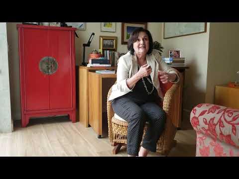 "Vera Moll comenta sobre o seu livro ""Mataluê esta me chamando"""