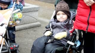 Родители с временной регистрацией требуют мест в детсадах(, 2013-11-11T16:22:44.000Z)