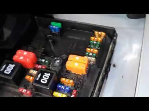 2012 tiguan fuse box vw tiguan fuse box locations youtube vw tiguan fuse box diagram vw tiguan fuse box locations youtube