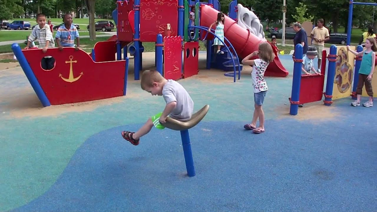 Spinny chair at park