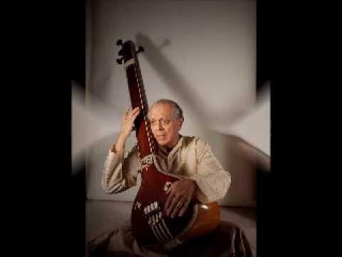 Pandit Arun Dravid talks about Jaipur Gharana Gayaki. Part 1.