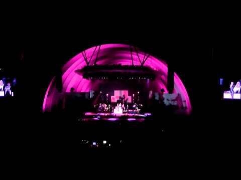 St. Vincent - I Prefer Your Love - The Hollywood Bowl - August 30 2015