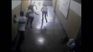 Massacre em Realengo: imagens do circuito interno da Escola Municipal Tasso da Silveira