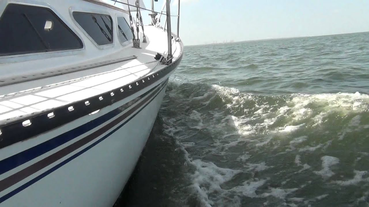 SOLD!!! 1988 Newport 28 MKIII Sailboat for sale at Little Yacht Sales,  Kemah Texas