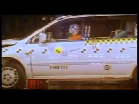 Crash test Mitsubishi Space Wagon 1999