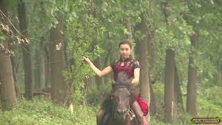 湘燕美女骑马之旗袍高跟鞋Chinese girls riding high heels