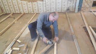 видео Укладка деревянного пола в доме: устройство и утепление