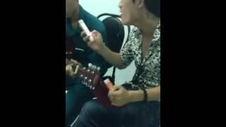 Không Được Khóc Cvoer guitar vui cùng bạn bè