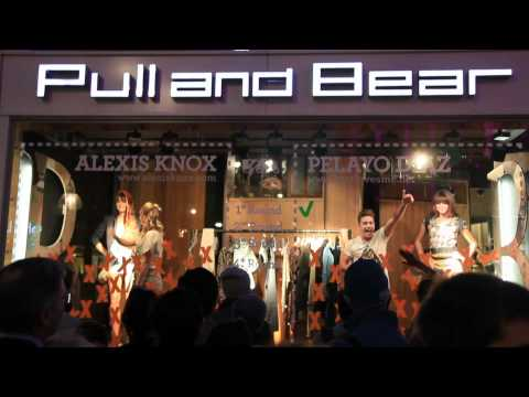 PULL & BEAR - VOGUE FASHION'S NIGHT OUT 2010 - LONDON