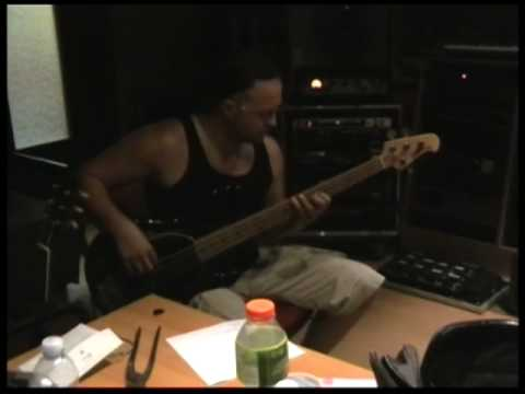 Desert Studio Report Vol.3 - Recording the Bass