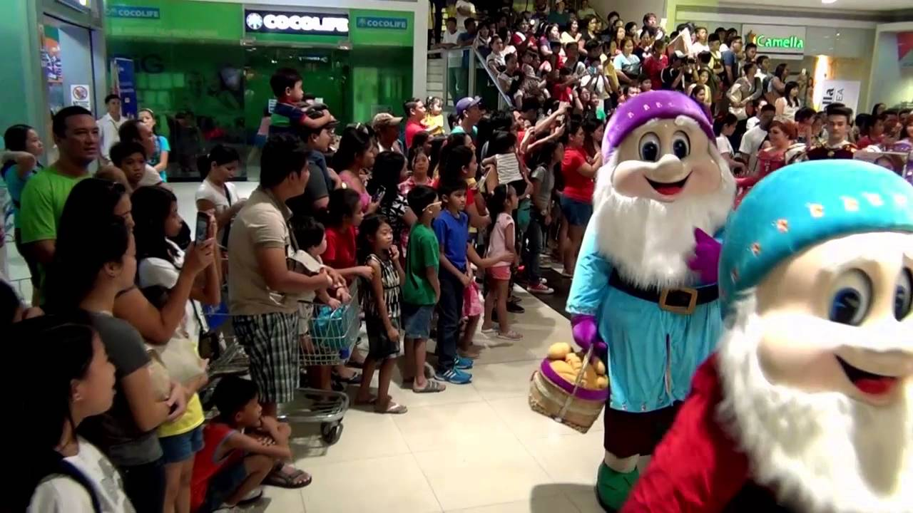 Sm Grand Magical Christmas Parade 2020 Schedule SM City Bacoor Grand Magical Christmas Parade 2015   YouTube