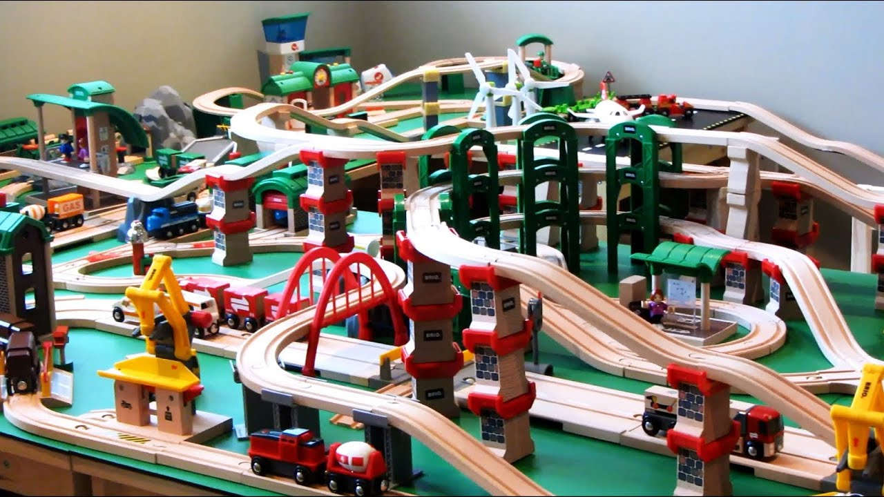 Brio Metropolis Train System Play World Building Project