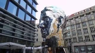 Достопримечательности Праги(Скульптура Голова Франца Кафки, Прага, Чехия., 2016-07-03T17:49:53.000Z)