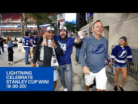 Tampa Bay Lightning with fans . Very unsafe
