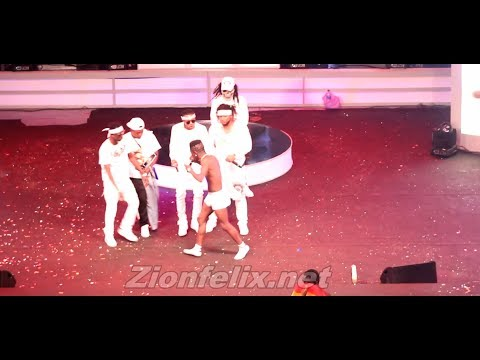 Shatta Wale Goes Half Nak3D At 2017 Ghana Meets Naija Concert + Full Performance