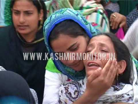 Kashmir:Clashes in Handwara against youth's killing