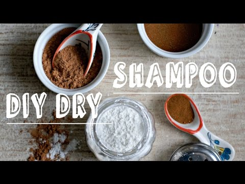 diy-dry-shampoo-powder-for-volume-and-clean-hair.-light-dark-red-hair.