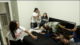 CAUGHT IN BED HAVING A 4SUM WITH AIRI, CARMEN, & NIQUE PRANK ON COREY & KING!! thumbnail