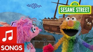 Sesame Street: Find Rainbow with Elmo and Abby! | I Spy Color Song #5