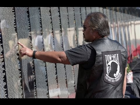 Vietnam Veterans Memorial Wall Stories