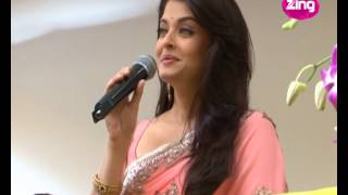 Hoards Of Fans Go Crazy For A Glimpse Of Aishwarya