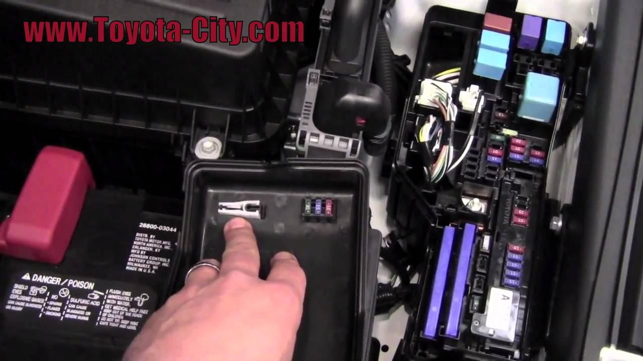 2011 | Toyota | Camry | Fuses Under The Hood | How To by