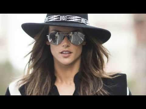 Gisele Bündchen American Top Paid Model Street Style HD - Stars and Style