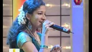 Gandharva Sangeetham Senior  Sruthi sings  Manjani Kombil