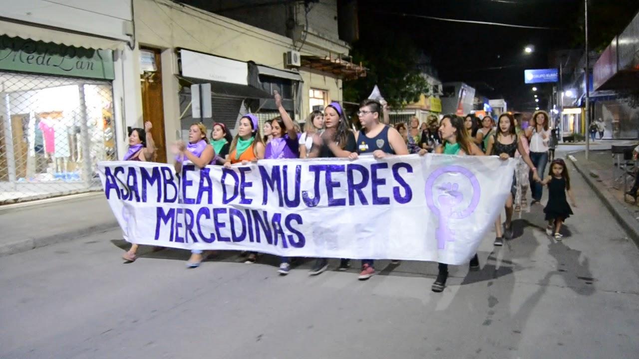 Día de la Mujer Trabajadora 4 marcha (Mercedes B) - YouTube