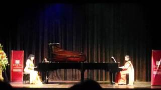 Gambar cover Two piano version - Traumerei - played as encore - video clip