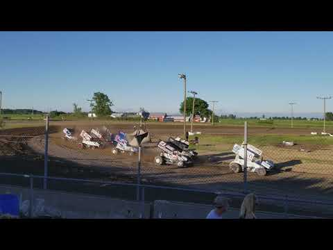 World Of Outlaws Sprint cars at I-96 Speedway. Heat race #3 (6/1/18)