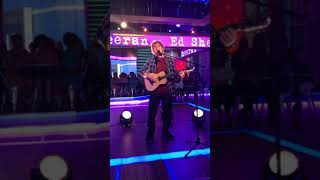 "Ed Sheeran ""Perfect"" live on Good Morning America 9/25/17"