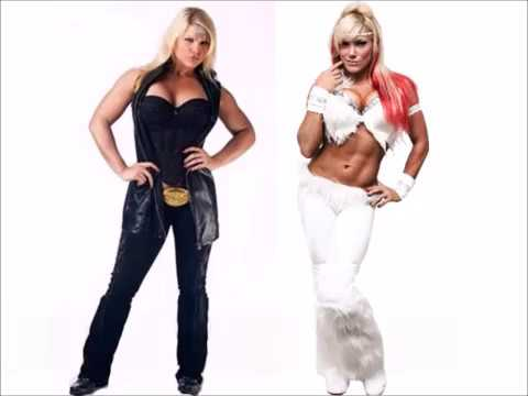 Beth Phoenix vs Taya Valkyrie- Elevated Chickenwing Facebuster
