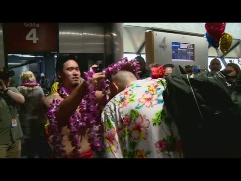 1st Southwest Flight To Hawaii Takes Off From Oakland International